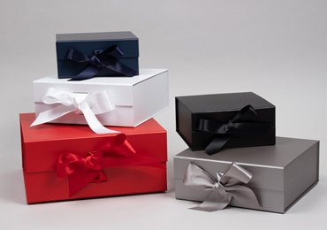 Magnetic Gift Box with Ribbon